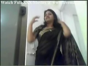Indian Plumpy Bitch Aunty Fucking And Handjob