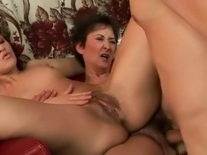 Guy licks mature pussy (compilation)