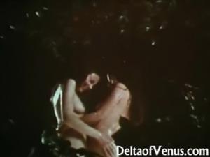 Vintage Lesbians 1970 - Wet, Hairy, & Natural