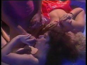 Cuming on classic sluts Suzie and Krystal