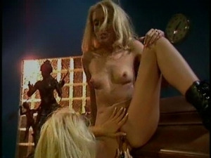 Cuming on the coffin and lesbian fun