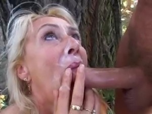 Mature Shaaron Outside