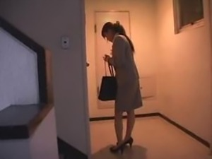 Office lady get fucked at home