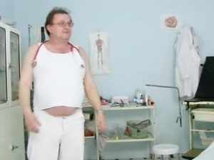 Jane gyno fetish pussy speculum examination at kinky gyno clinic