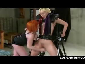Femdom spanks and toys her submissive until she squirts