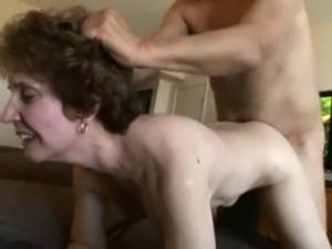 Hot Amateur Gran Gets Her Shaven Haven Fucked !