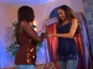 Ashley Brooks & Mya Mason Sista action