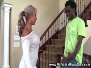 White milf sucks black ghetto dick free