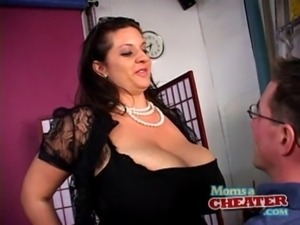 Mom's a cheater - Maria Moore free