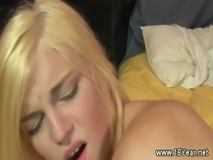 Blonde gets ready for mouthful free