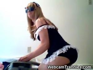 Hot Webcam Tranny Maid!