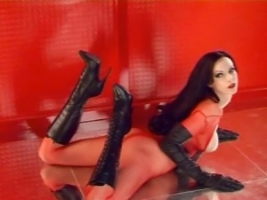4 models in leather and boots