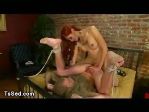 Redhead tranny fucks guy catch in net in bedroom
