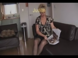 Mature scene1 Spreading and Upskirt free