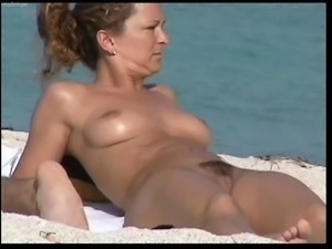 Spy nud beach3