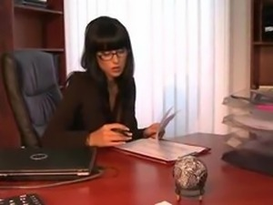 Jade.Laroche.high.end.secretary