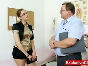 Chubby amateur girl with glasses fingered by gyno MD