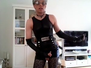 Sissy sexy in leather 7
