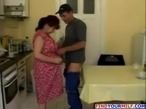 Mature housewife fucks on kitch ... free