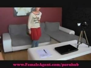FemaleAgent. Shy hippie tastes pussy
