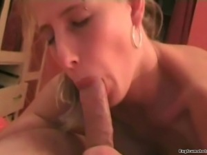 amateur girlfriend blowjob and cumshot