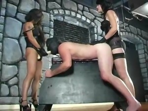 2 Females Ass Fuck a Male