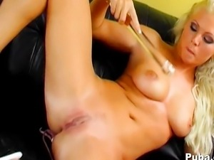 Hot Czech girl masturbates