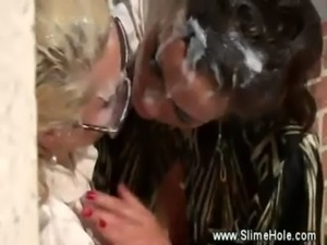 Horny lesbos want bukkake and pussy free