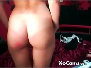 Russian cam girl slapped her ass free