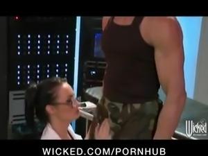 Slutty big-boobed doctor Elektra Blue shows off her flexibility