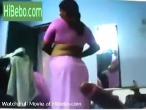 Indian aunty saree removal Video