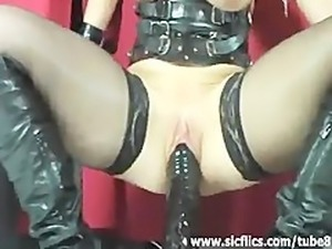 Extreme amateur fucking her gigantic monster dildos