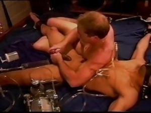 Extreme vacuum pumping CBT on bound and restrained muscle guy.
