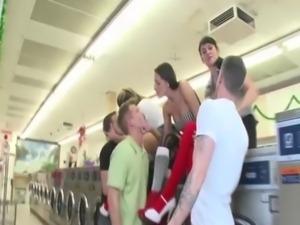 CFNM mature ladies fuck on a la ... free