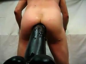 Asshole extrem - Giant dildo fucks