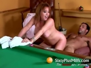 Pretty hot MILF does muscle guy free