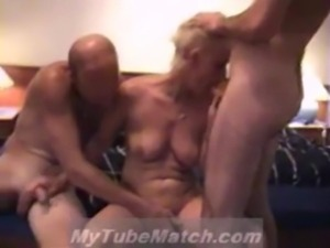 Homemade Threesome free