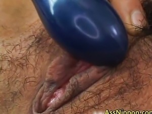 Hairy pussy squirts