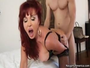 sexy vanessa bella MILF COUGAR MOM free