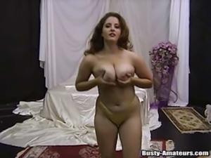 Toying her slit is what horny jonee loves free