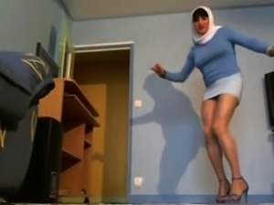 sexy dance in hijab