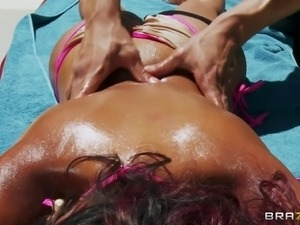 the sexiest indian priya getting an outdoor massage!