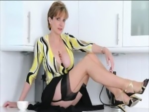 Solo mature brit in stockings free