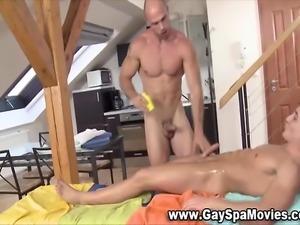 Naughty masseur hunk tugs stiff straight amateur cock