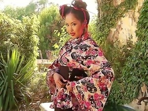 Asian with superb body Danika gives an  impressive and erotic solo show