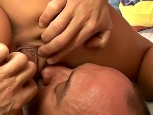 Linda Ray sucks a tasty dick and gets it in her tight and shaved pussy