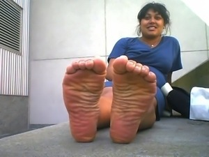 Smelly Indian Wide Soles