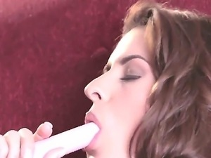Danni Gee feels like the best girl in the world when she starts masturbating...