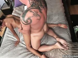 Zeina Heart shows her love for cum in steamy cumshot action