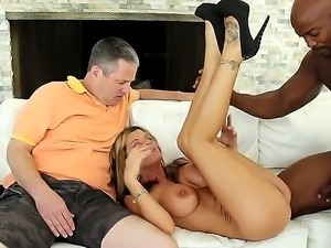 Cuckold brunette milf Krystal Summers with big tits and round bouncing ass...